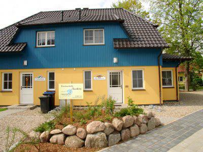 Dünengarten Zingst - Ferienhäuser im maritimen Doppelhausstil